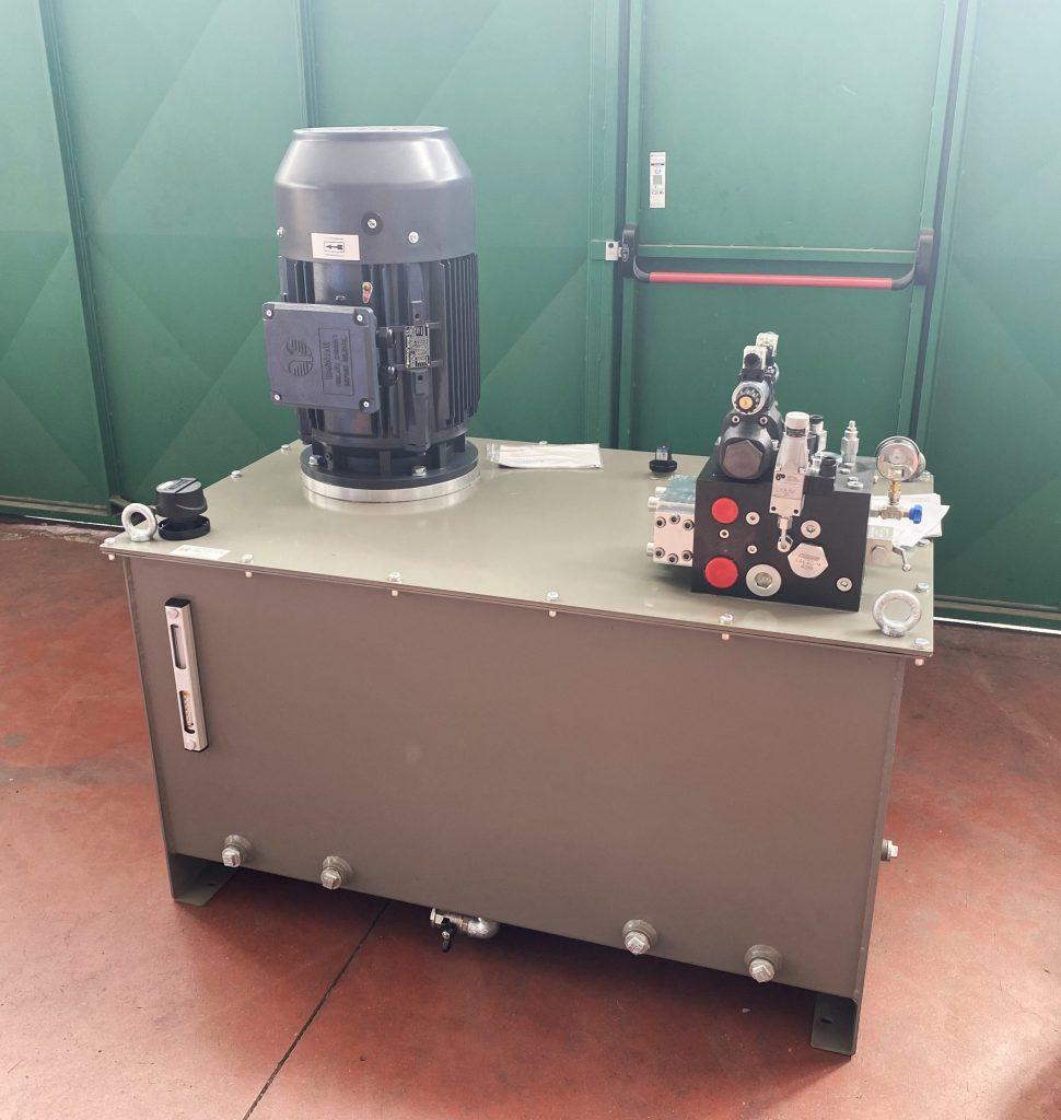 Centrale oleodinamica - filtropressa per settore inerti
